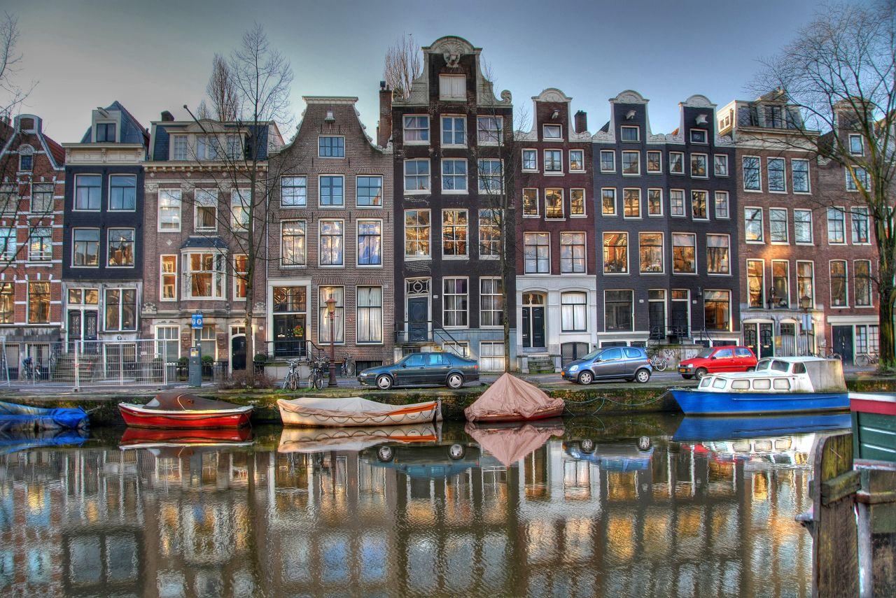 amsterdam-panorama-grachten-creative-commons